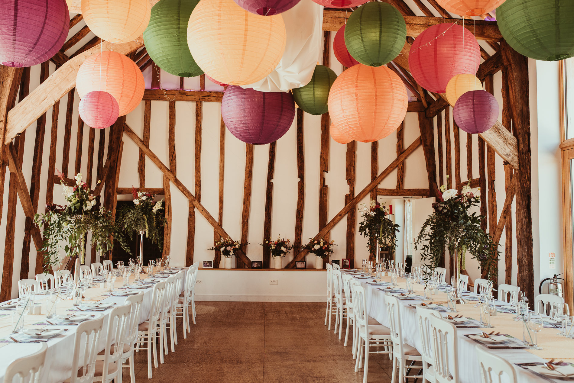 beccles_white_dove_barn_suffolk_wedding_festival1