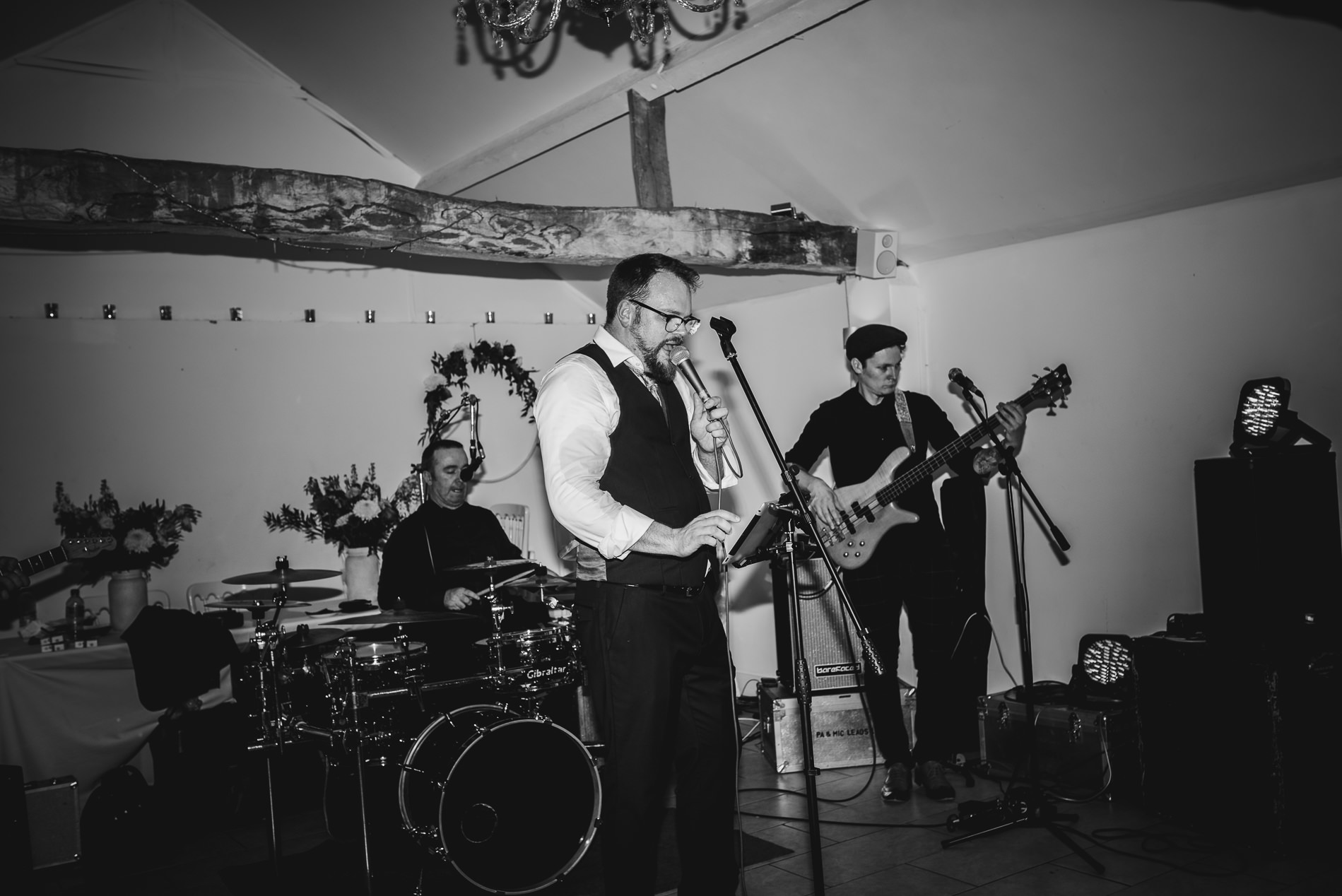 beccles_white_dove_barn_suffolk_wedding_festival122