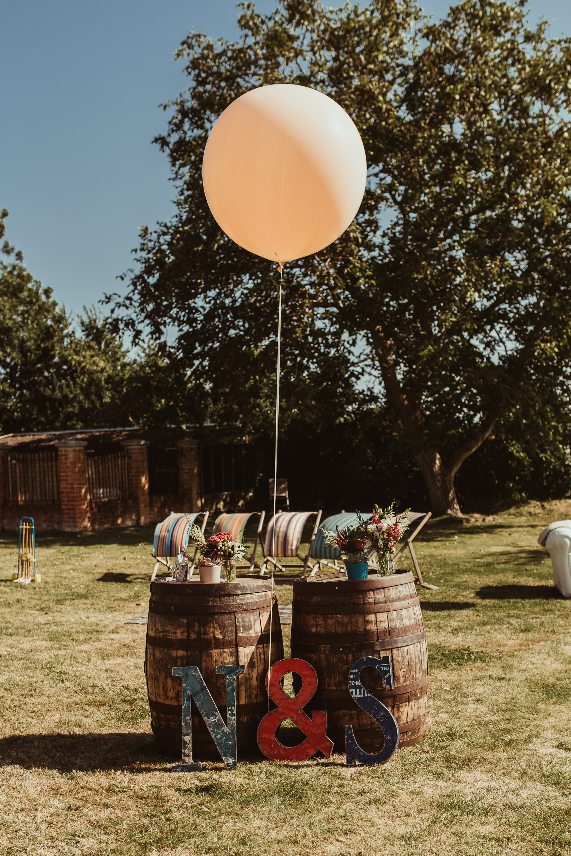 beccles_white_dove_barn_suffolk_wedding_festival2