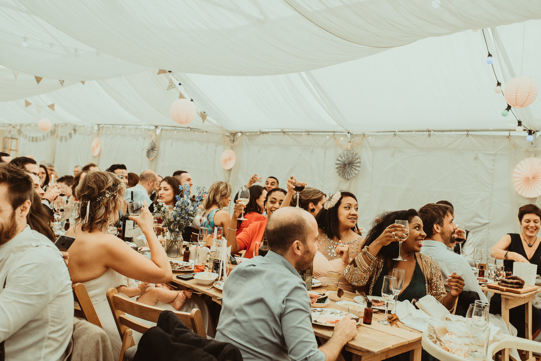bohemian_wedding_lawshall_church_garden100