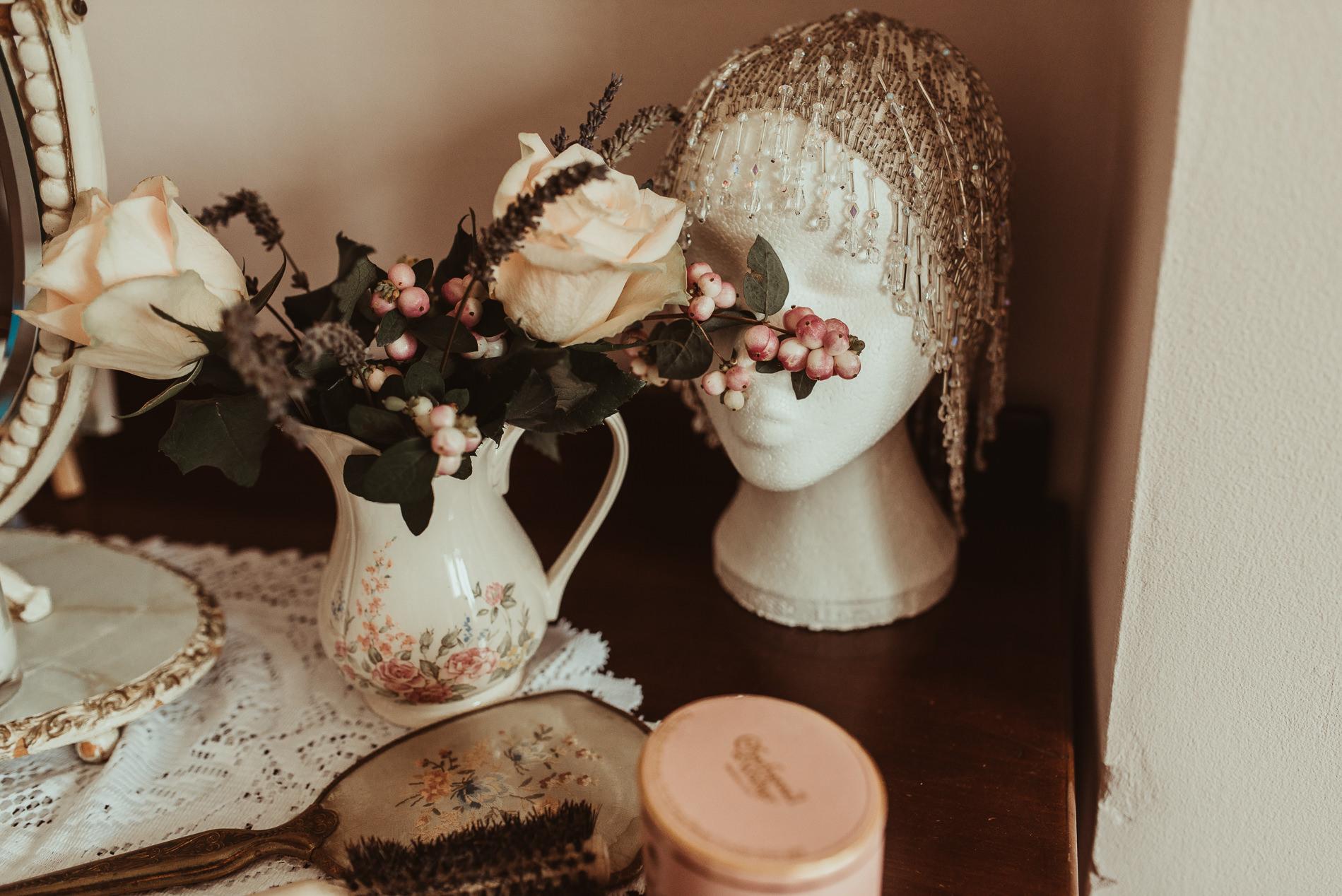 bohemian_wedding_lawshall_church_garden19