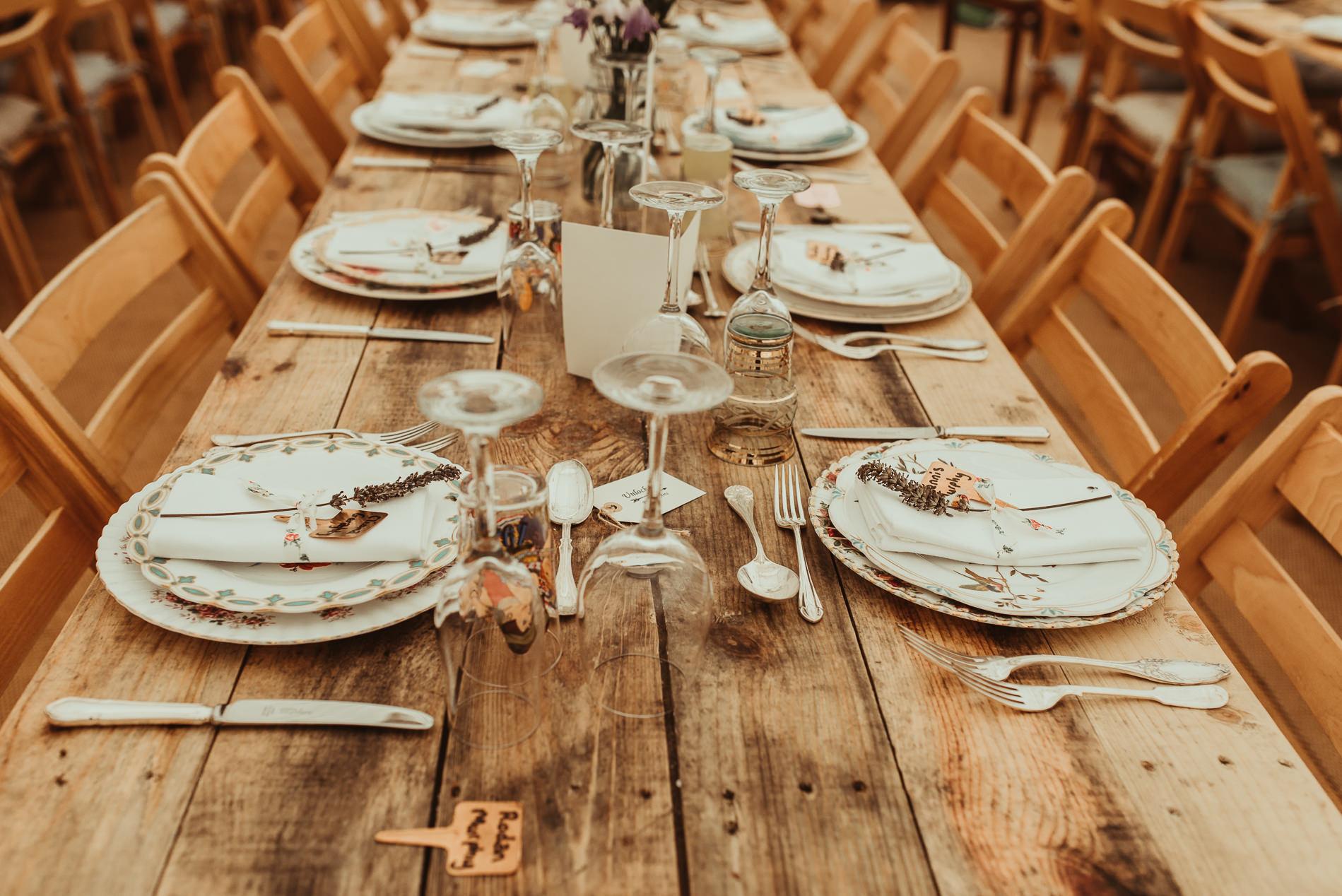 bohemian_wedding_lawshall_church_garden3