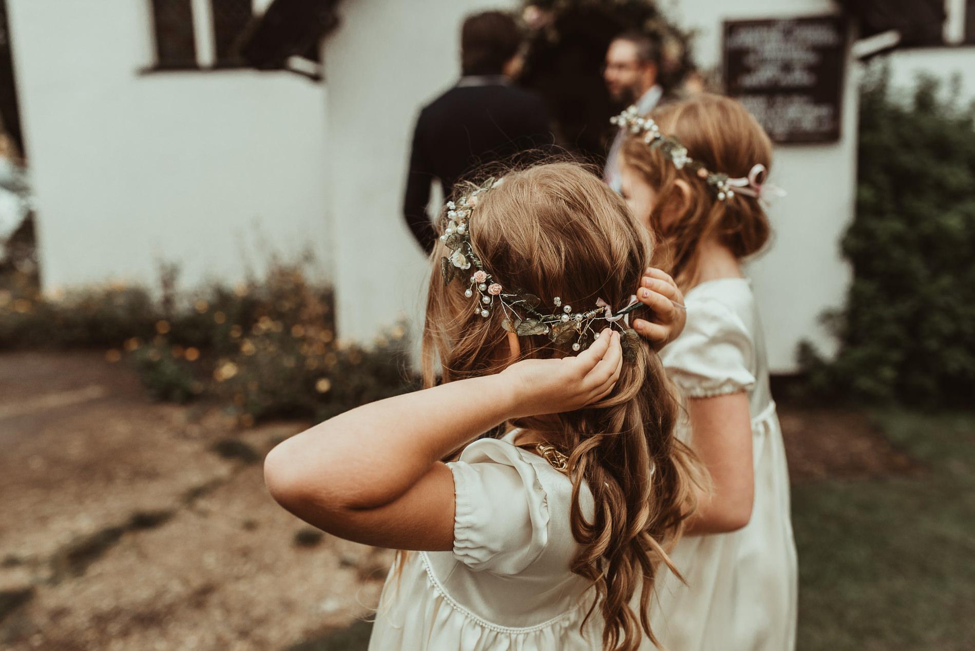 bohemian_wedding_lawshall_church_garden31