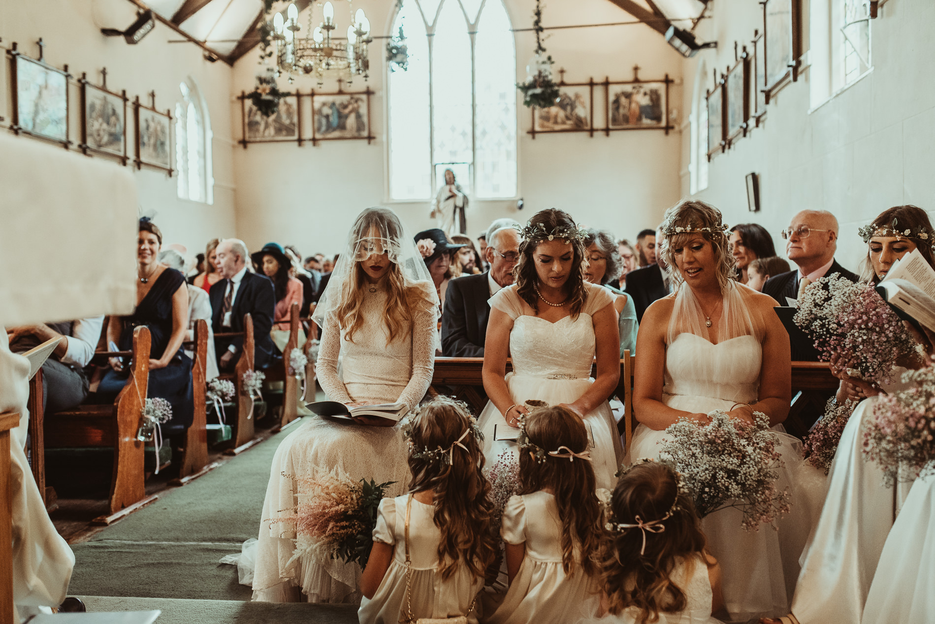 bohemian_wedding_lawshall_church_garden38