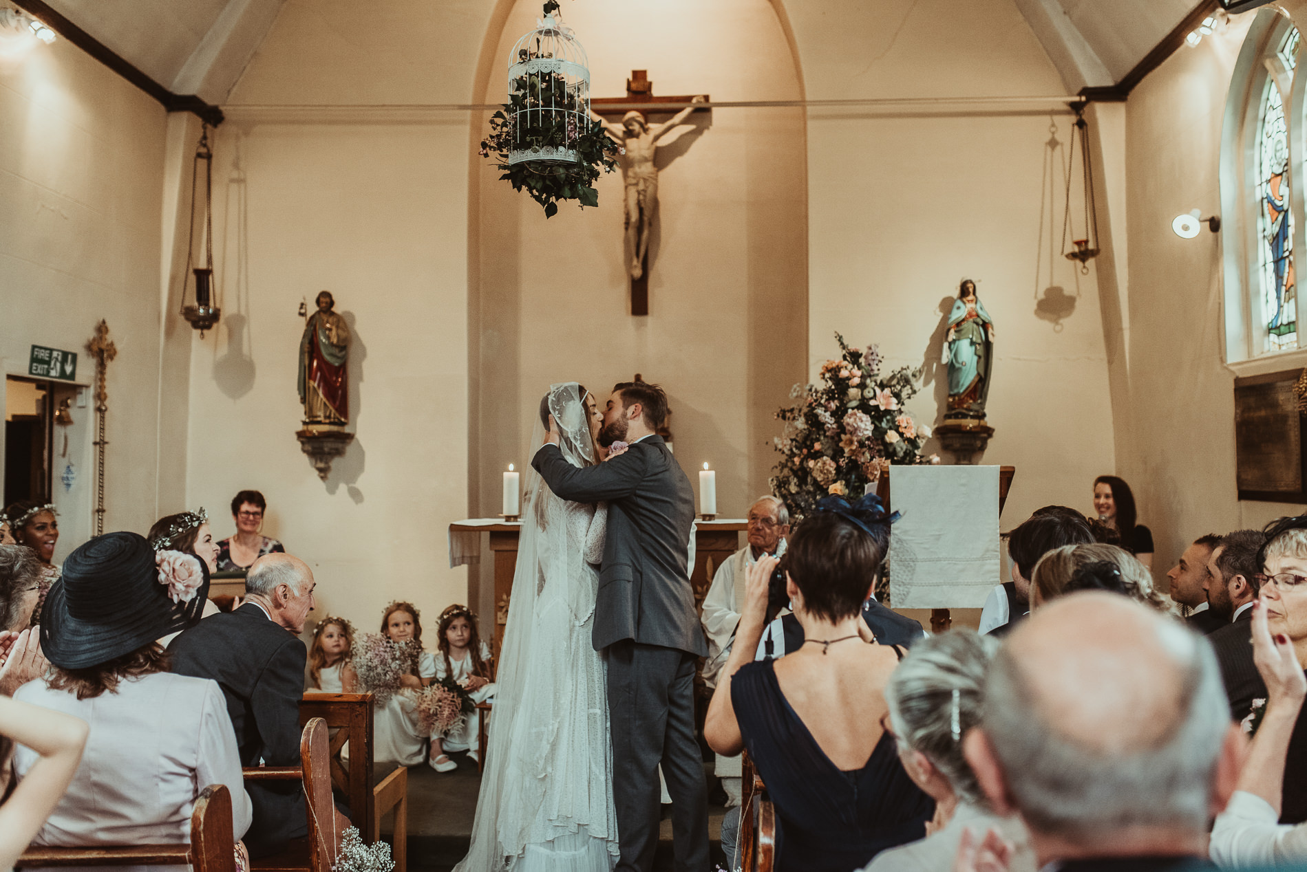 bohemian_wedding_lawshall_church_garden41