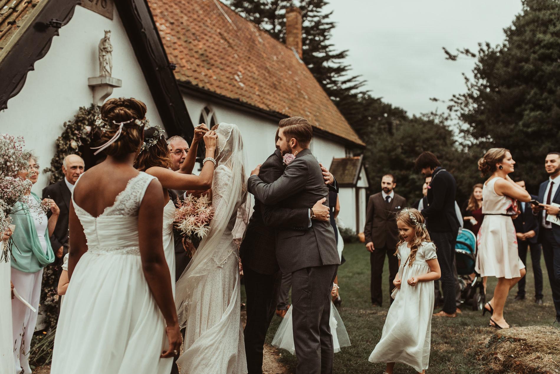 bohemian_wedding_lawshall_church_garden42
