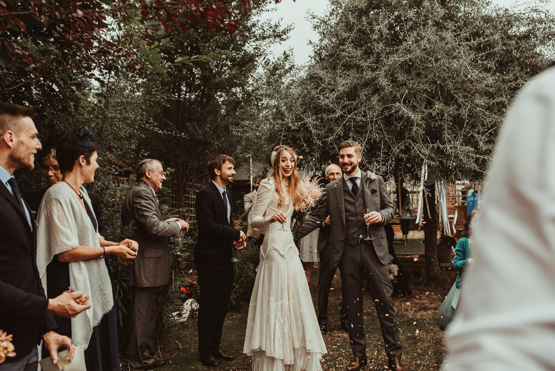 bohemian_wedding_lawshall_church_garden51