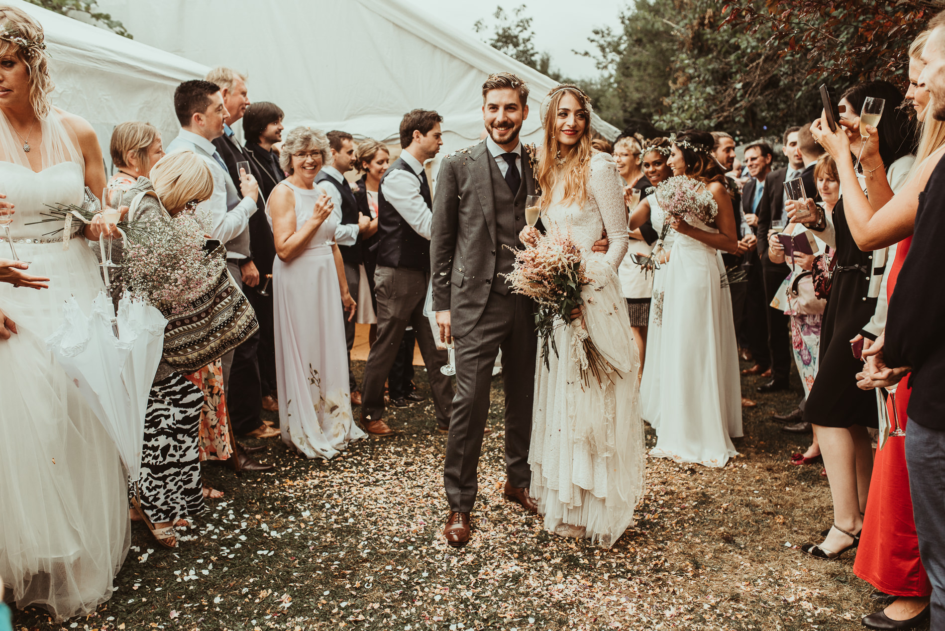 bohemian_wedding_lawshall_church_garden54