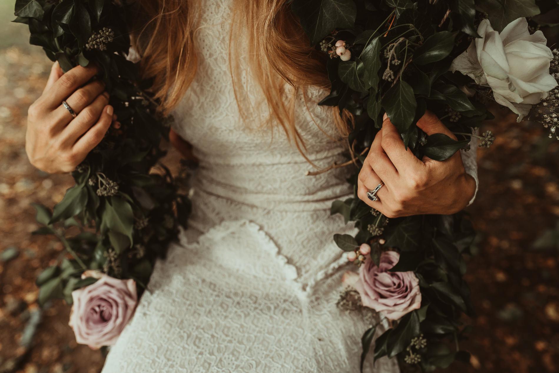 bohemian_wedding_lawshall_church_garden59