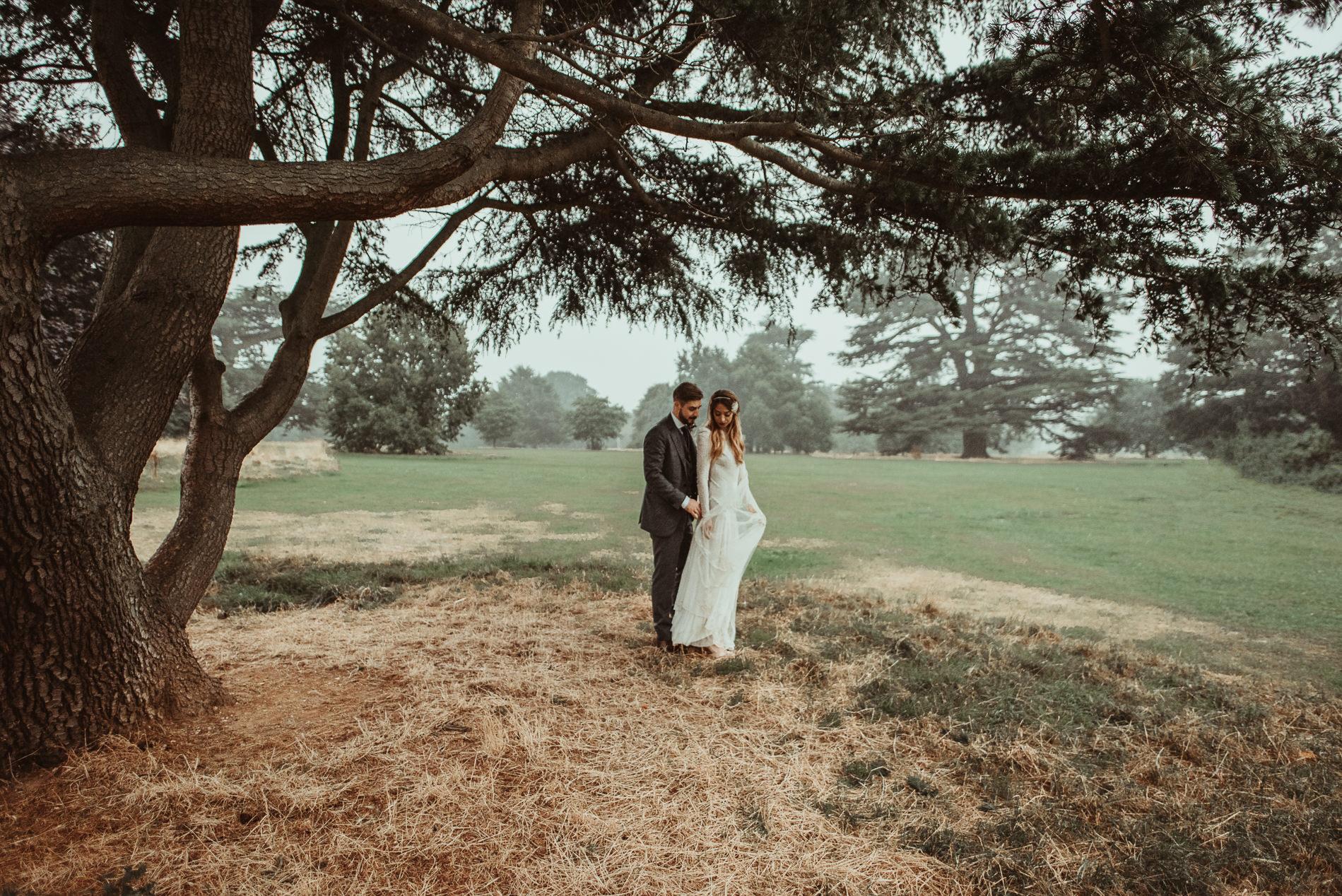 bohemian_wedding_lawshall_church_garden80