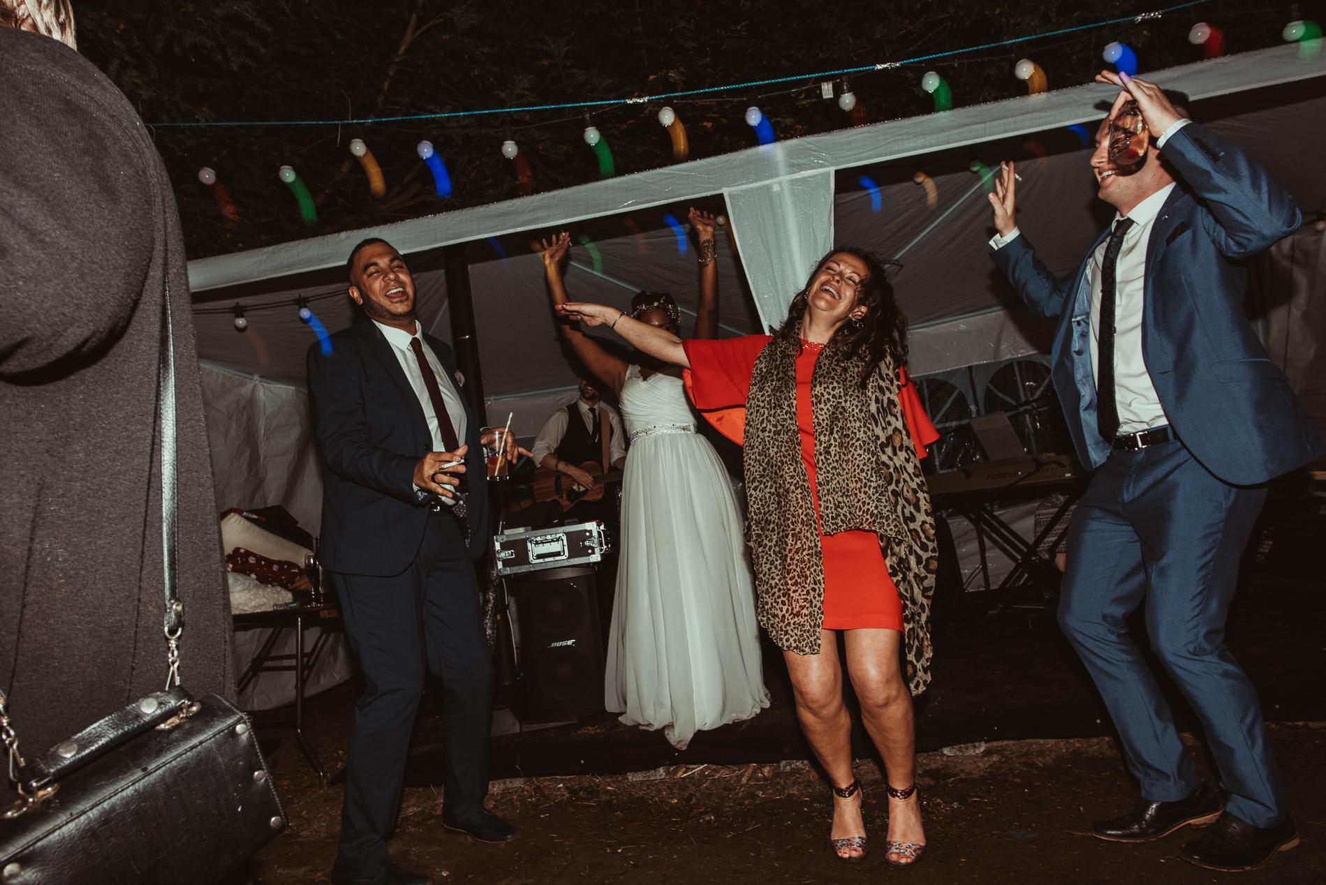 bohemian_wedding_lawshall_church_garden87