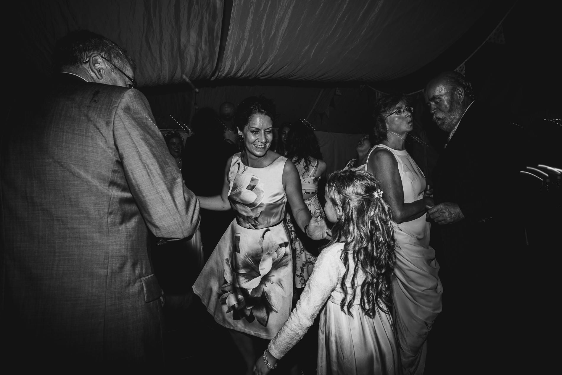 bohemian_wedding_lawshall_church_garden88