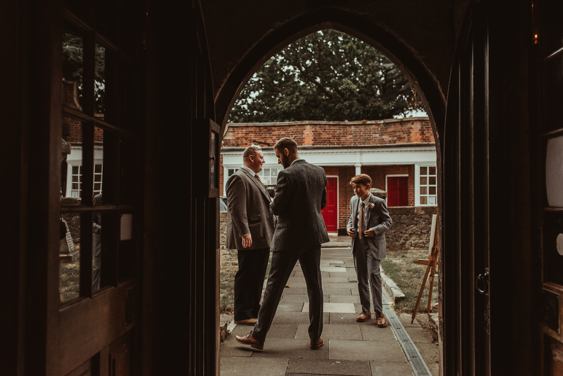 red_brick_barn_weddings_leigh_on-_sea_church-27